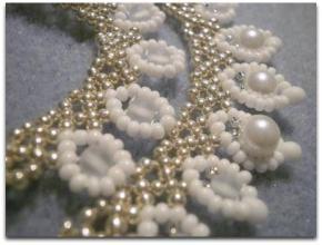 Ukraine leaves necklace